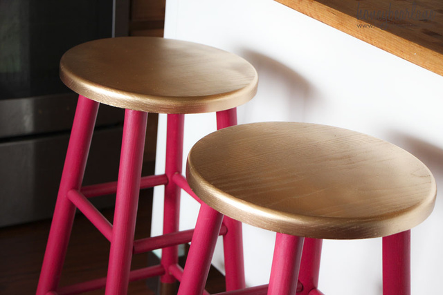 Néha két brutális szín is elég ahhoz, hogy teljesen egyszerű bútorokból valami menőt készítsünk.