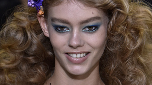 Rohamot kapott egy modell a New York-i divathéten