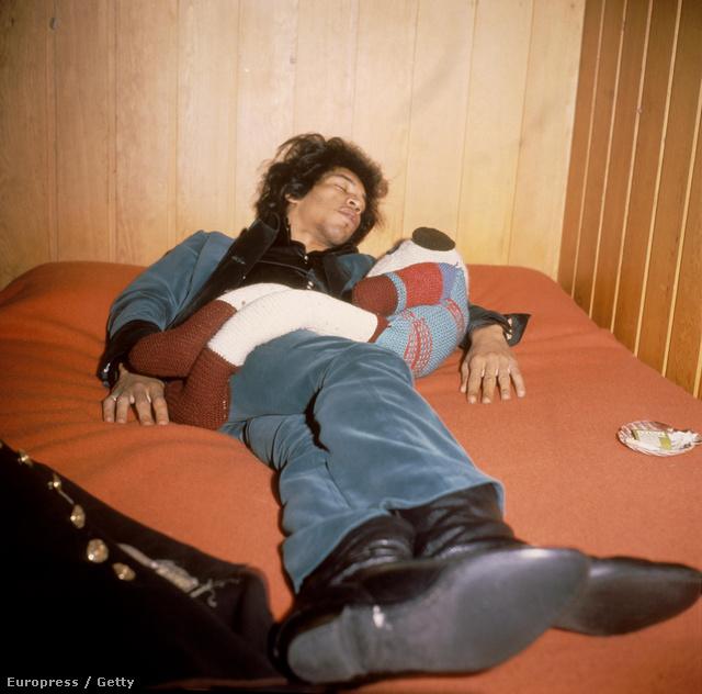 1967: Hendrix otthonában, a Montagu Square 34-ben, Londonban