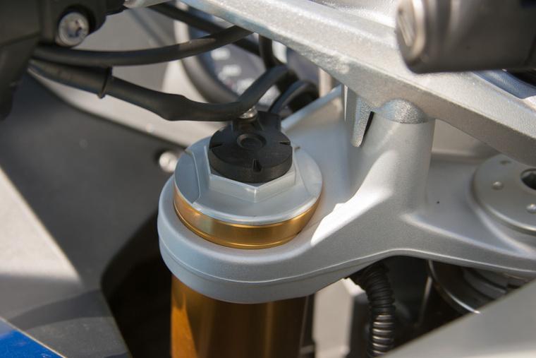 A gombbal állítható villanyfutóművet nem szabad kihagyni az extralistából