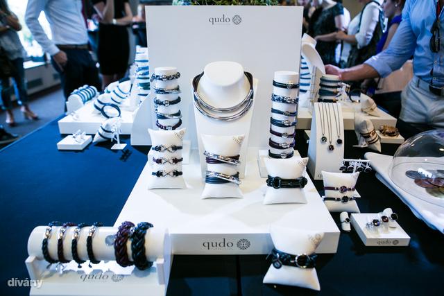 A minőségi kézműves ékszerek a Colors Jewelry Concept forgalmazza itthon.