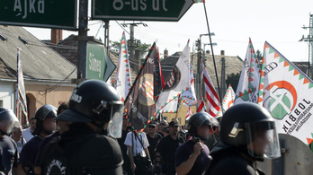 A Kúria szerint jól tette a rendőrség, hogy hagyta a cigánydobálást