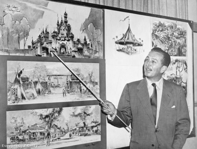 Walt Disney a vidámpark prezentálása közben