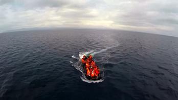 Rekordmennyiségű menekült érkezik az Égei-tengeren