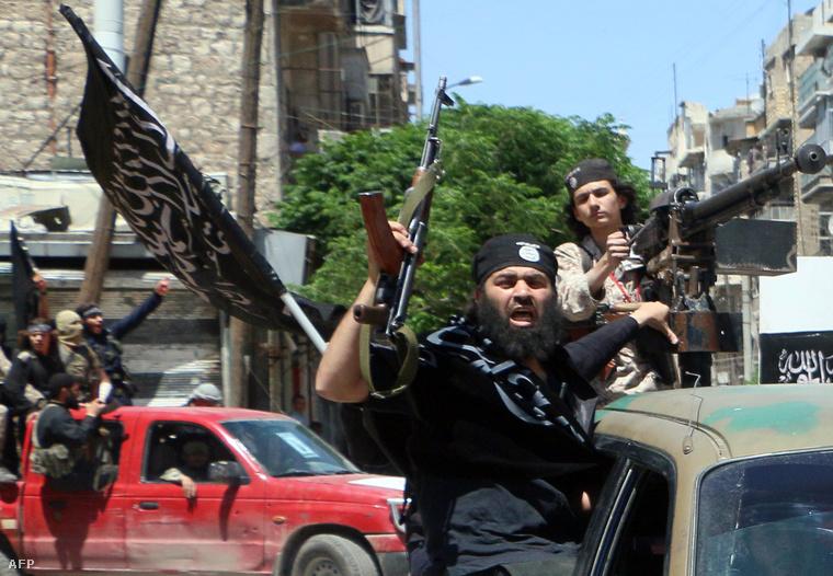 Al-Núszra milicisták Aleppóban