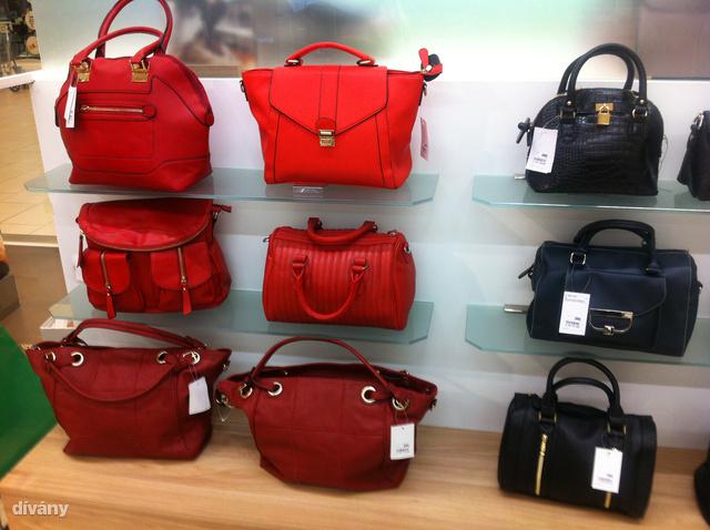 Dívány - Offline - Őszi táskakörkép  már 3000 forintért tobzódhat a ... ae3de68310
