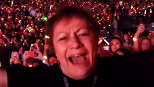 Cukiság: nagymama így még nem örült Mick Jaggernek