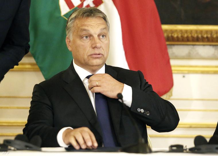 Orbán Viktor a bécsi magyar nagykövetségen 2015. szeptember 25-én