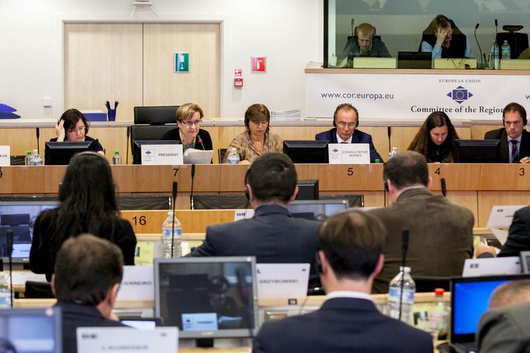A Régiók Bizottságának ENVE szakbizottsági ülése, amelyen a szén-dioxid-kibocsájtás csökkentésének lehetőségéről tárgyaltak.