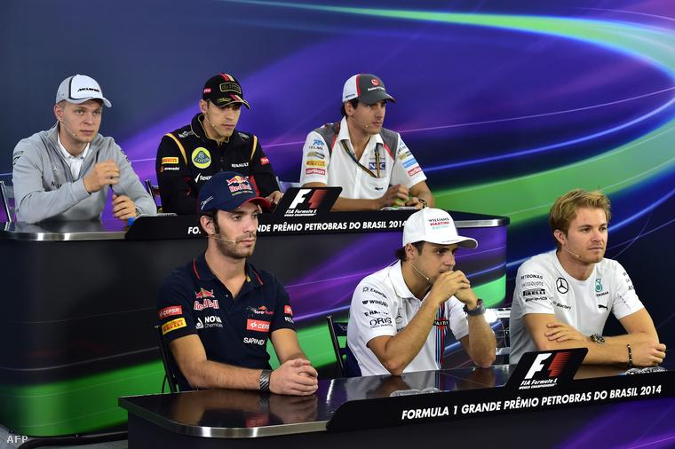 Balra fönt Magnussen, balra lent Vergne, fent középen esetleges csapattársuk, Maldonado