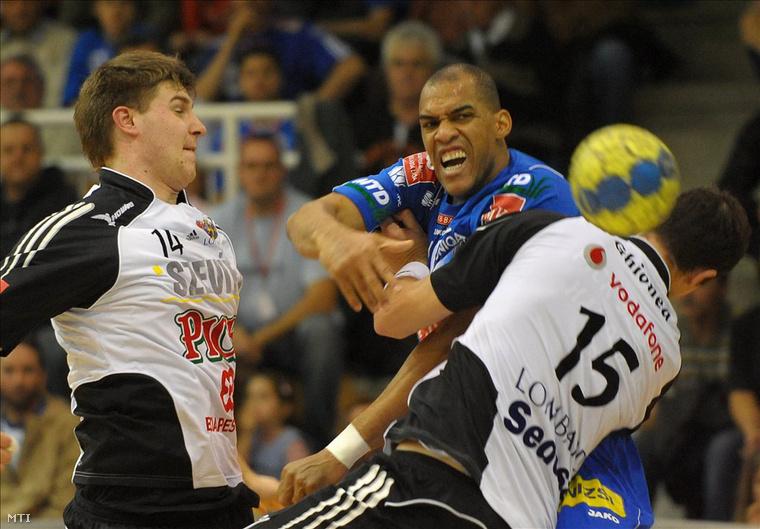 Perez Carlos