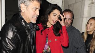 Azt a csipkeharisnyás mindenit Amal Clooneynak!
