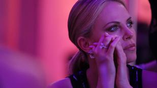 Charlize Theron virágot kapott egy őrülttől, lecsukták a férfit