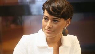 Görög Zita haja most rövid, és jól áll neki