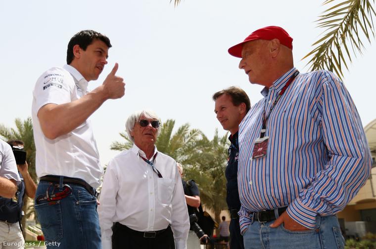 Wolff, Ecclestone, Horner és a másik Mercedes-menedzser, Lauda