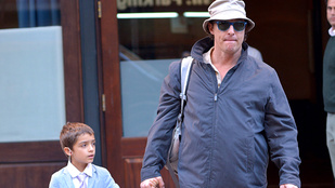 Az a szerencse, hogy Matthew McConaughey fia még felismeri az apját