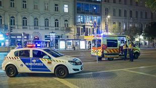 Késsel támadott a mentősökre egy férfi az Astoriánál
