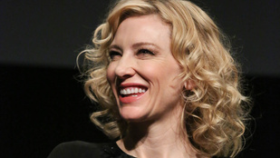 Cate Blanchettnek elege van a maga hülye szelfijeiből, de odavan a beöntésért