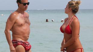Pauly Shore humoros ugyan, de a nője nem viccel