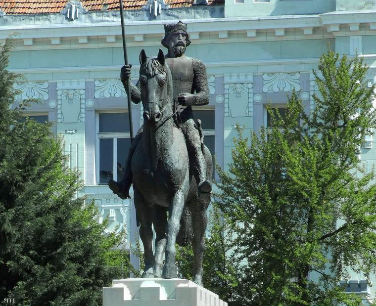 IV. Béla lovas szobra Szegeden