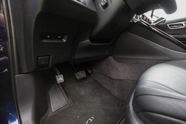 Taposós rögzítőfék, mint a Priusban