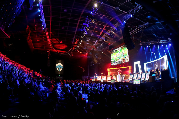 League of Legends Óceániai döntőjén izgulnak a fiatalok, 2015 augusztusában Sydneyben.