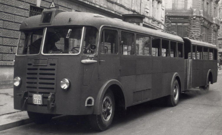 Az első magyar csuklós buszra egészen 1960-ig kellett