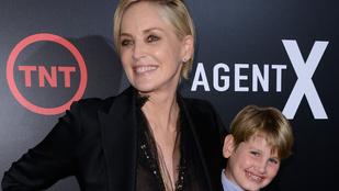 Csoda történt: Sharone Stone-t a fiával fotózták le