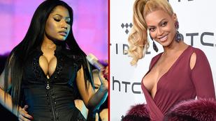 Beyoncé mellére erősen odatapaszthatták ezt a ruhát