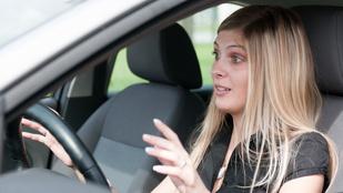 Egy nő azt hitte kirabolták, közben csak más autójába szállt