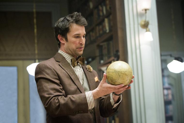 Noah Wyle veszettül élvezi, hogy két poén között izgalmas kultúrtörténeti érdekességekről beszélhet A titkok könyvtárában