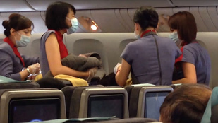 Szülésével térített el egy kínai gépet, hogy a baba amerikai állampolgár legyen