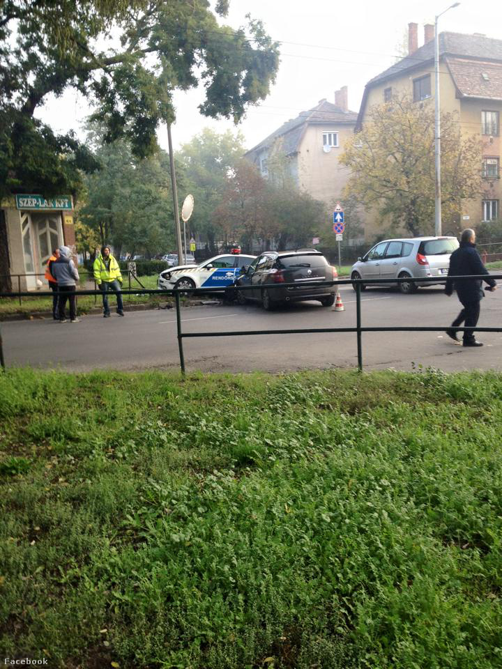 rendőr vs renault1