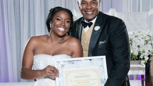 Szüzességi bizonyítványt vitt magával az esküvőjére