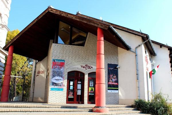 Bárka Színház