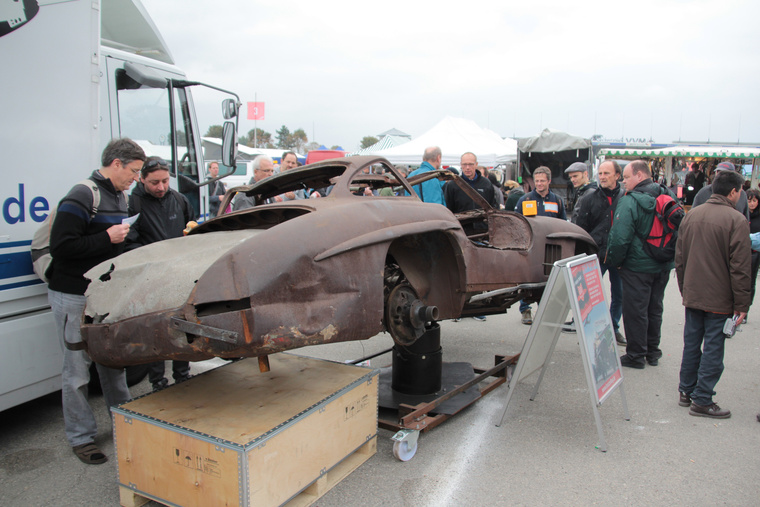 Ez valamikor az autóipar egyik legszebb feneke volt, filigrán krómozott hátsólámpákkal