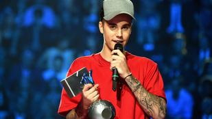 Justin Bieber tarolt az MTV EMA-n