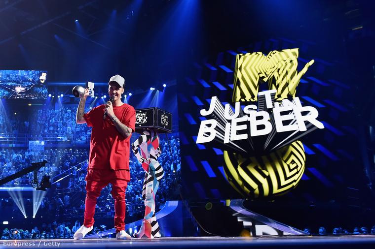 Bieber tarolt