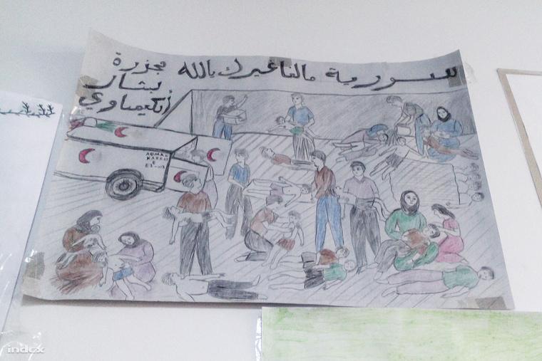 Menekült gyerek rajza a konténeriskola falán