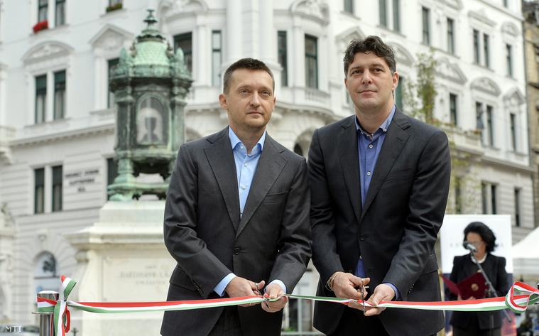 Rogán Antal korábbi és Szentgyörgyvölgyi Péter jelenlegi polgármester.