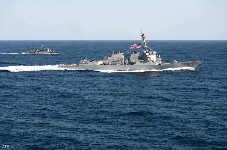 USS Lassen a Dél-kínai-tengeren 2015. októberében