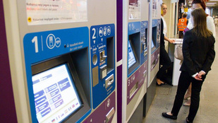 Tudja, mire való a BKK automatákon a kis fémlap?