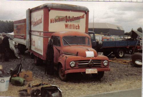 A kezdetekkor ilyen teherautókat nem értékes veteránokként vittek eladni, hanem ezekből árultak