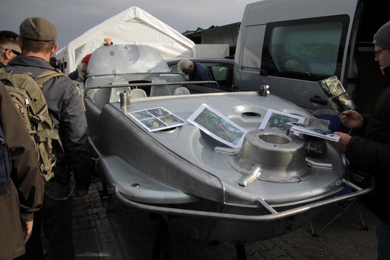 Ez egy vadonatúj Schwimmwagen karosszéria. Egy cseh cég szinte a teljes autót le tudja gyártani