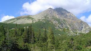 Helikopterrel kellett kimenteni egy magyar családot Szlovákia legmagasabb hegyéről