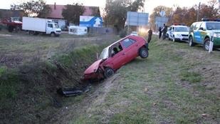 Ellopta és azonnal rommá is törte az autót a tolvaj