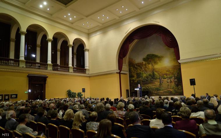 Orbán Viktor tart előadás Az idők jelei konferencián, az Olasz Kutatóintézetben, 2015. október 30-án.