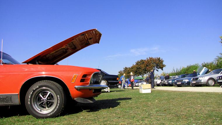 A Mustang, hiába szép és kívánatos, lássuk be nem számít valami nagyon nagy különlegességnek, de ...