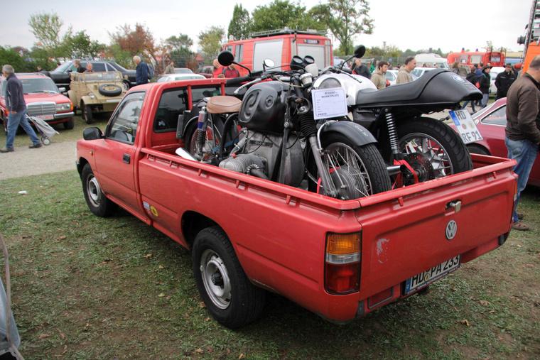 Nem a motorok miatt érdekes igazán ez a  Toyota pickup. Hanem mert ez egy Volksawagen. 1989-től árulták a VW Tarót, ami gyakorlatilag egy átcímkézett HiLux