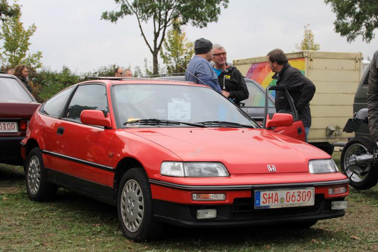 Egy szép, gyárias  1990-es CRX sem olcsó, de 3800 euróért nem is kiemelkedően drága - ezeket az autókat már rég összetörték vagy/és rommá pimpelték, ritka az eredeti állapotban megőrzött darab